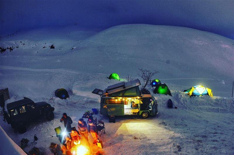 That extreme cold night where everyone was stuck next to the bonfire all... (Téléskis des Cèdres - Cedars Ski Resort - Arz)