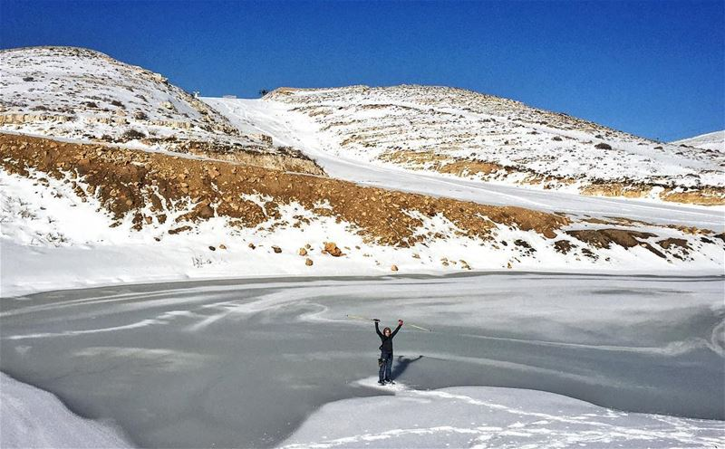 While in the desert posting a picture in the snow.......... snow ... (Mzaar Kfardebian)