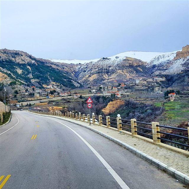 Goodmorming 🇱🇧🇱🇧❄ roadtrip lifeisgood naturephotography ... (Bcharré, Liban-Nord, Lebanon)