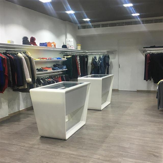 50% Sale section DailySketchLook 228 shopping italian boutique ... (Er Râbié, Mont-Liban, Lebanon)