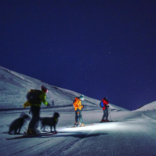 Ski touring under the 🌝 (Mzaar Kfardebian)