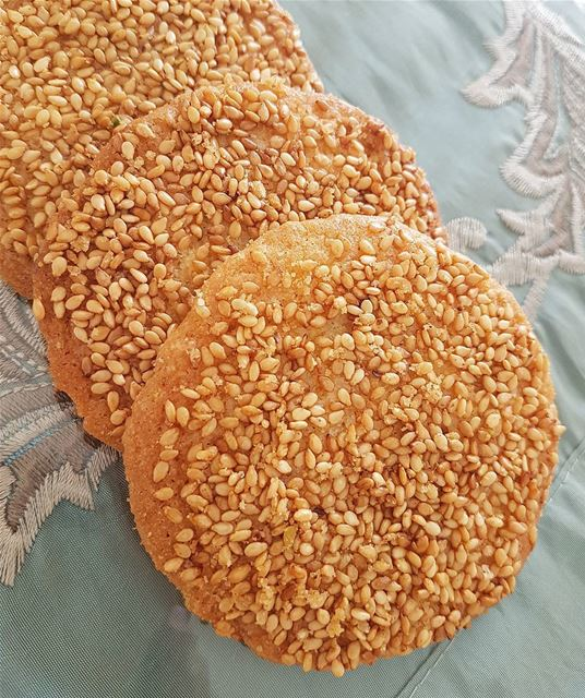 Syrian Sesame Cookies Aka Barazi' 🌸Ingredients🌸 3/4 cup sugar1 egg3/ (Greater Montreal)