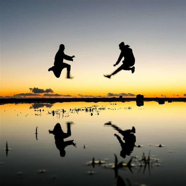 I flit, I float, I fleetly flee, I fly 🙌🙌 dusk sunset jump pond ...