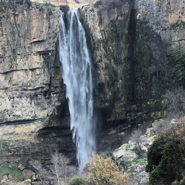 wind effect on water waterfall outdoor nopeople jezzine lebanon ... (Jezzîne, Al Janub, Lebanon)