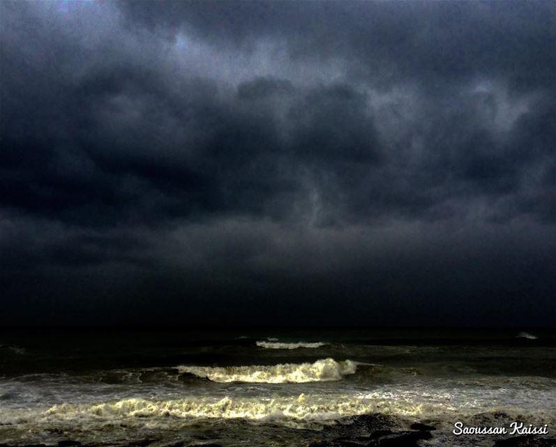 sea darkness blacksky clouds waves 🌊...