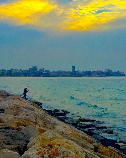 fisherman sea colors sky tyr ...