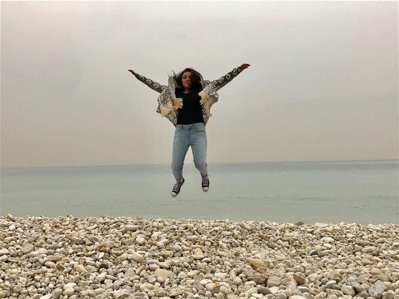 Let your dreams fly.💙 seaworld sealovers searelaxation vitaminsea ... (Jbeil جبيل)