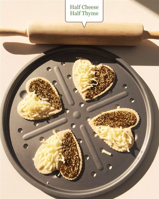 If your heart is half zaatar half cheese try these .... ❤ food...