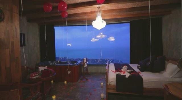 Love...Celebrated ♥️🌹 RomanceAtItsFinest ValentineSeason ... (Bay Lodge)