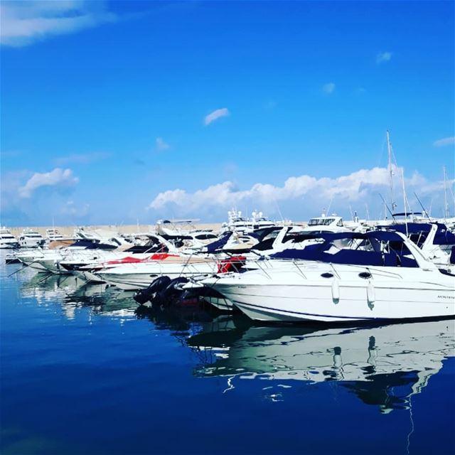 lebanon🇱🇧 zaytonabay lifestylephotography highlifestyle people ... (Saint-George Hotel,Yacht Club & Marina)