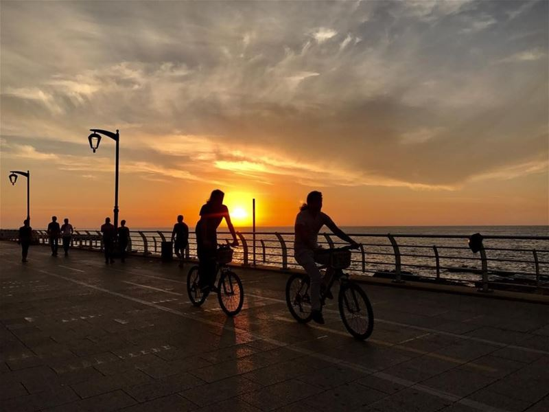 the_travel_lens beirut lebanon whatsuplebanon sunset ig_lebanon ... (Beirut, Lebanon)