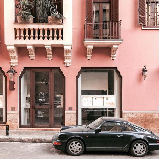 Hello Porsha! I wanna try ya 🚗 Beirut shotoniphone cars vintagestyle... (Beirut, Lebanon)