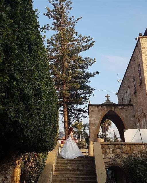 Lebanese Bride in Byblos... thisislebanon79 viewbug lebanoninapicture ... (Byblos - Jbeil)