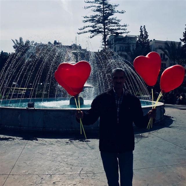 حُب رخيص للبيع Lebanon love street people ... (Tripoli, Lebanon)