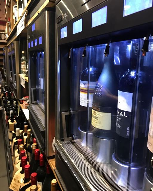 Have you seen a wine dispenser before?😀 wide selection of wines @ cantina... (Cantina Sociale)