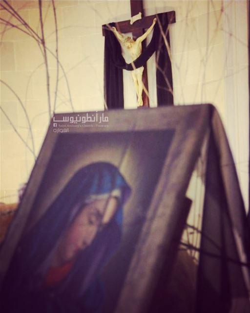 كانت الام الوجيعة والدموع منها سريعة واقفة تحت الصليب @saint.anthony.fouwa