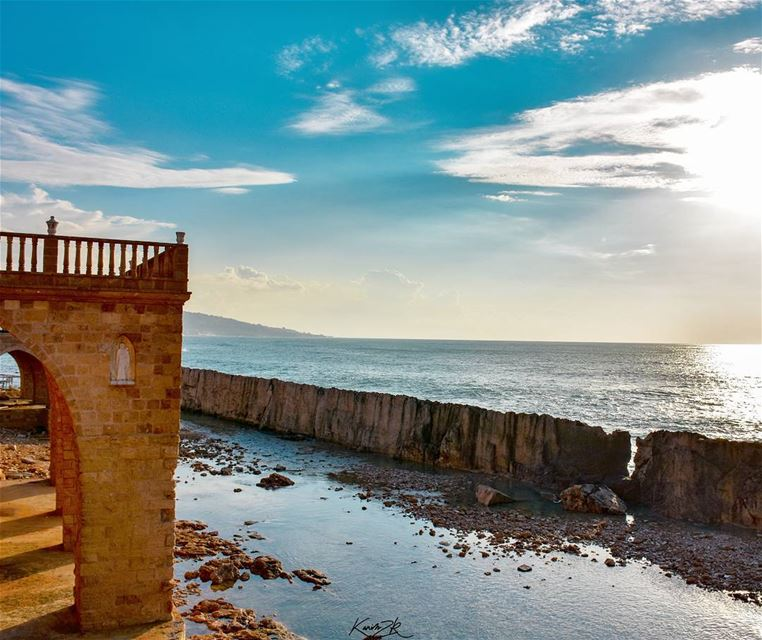"""The Phoenicians used this wall as protection against sea storms and... (Phoenicien Wall)"