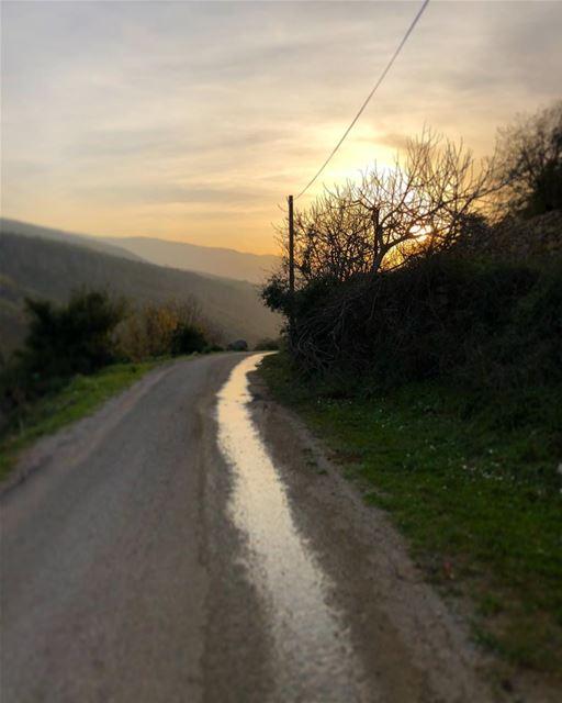 🇱🇧 Leading nowhere.. a.k.a طريق غير نافذ... (Rechmaya)