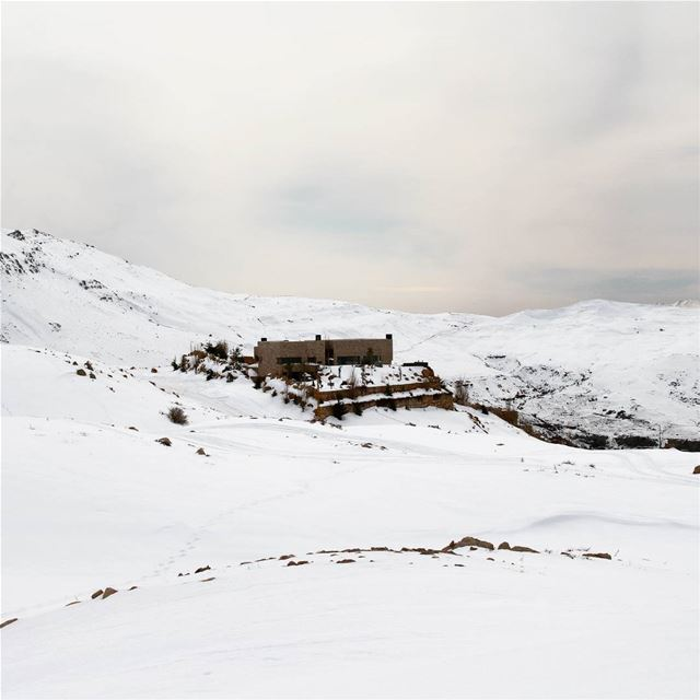 Winter lodge! house lodge winter snow mountains livelovelebanon ... (Qanat Bakish, Mont-Liban, Lebanon)