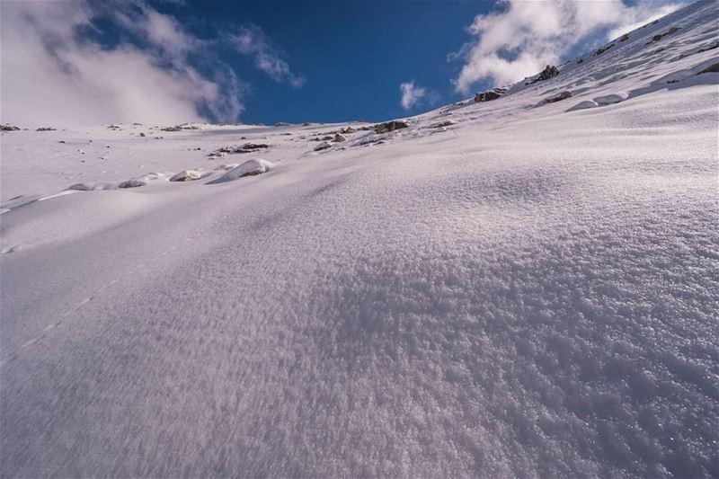 Towards the summit ... (Jord Tannoûrîne)