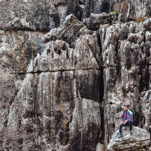 Rocky Mountains 🧗🏻♂️ .... . weroamgermany discoverearth ... (Lebanon)