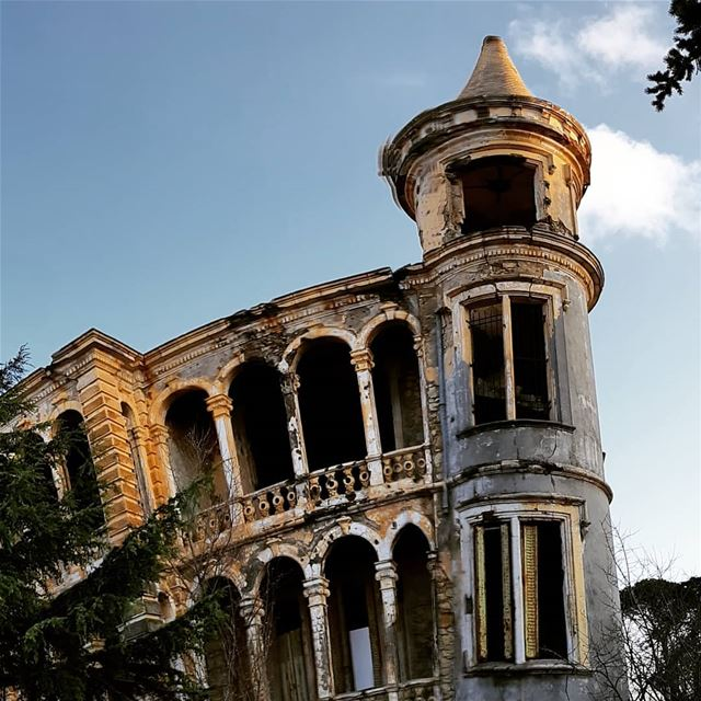 Dona Maria Piza Tour 🤓🏰... lebanon sawfar livelovesawfar ... (Sawfar, Mont-Liban, Lebanon)