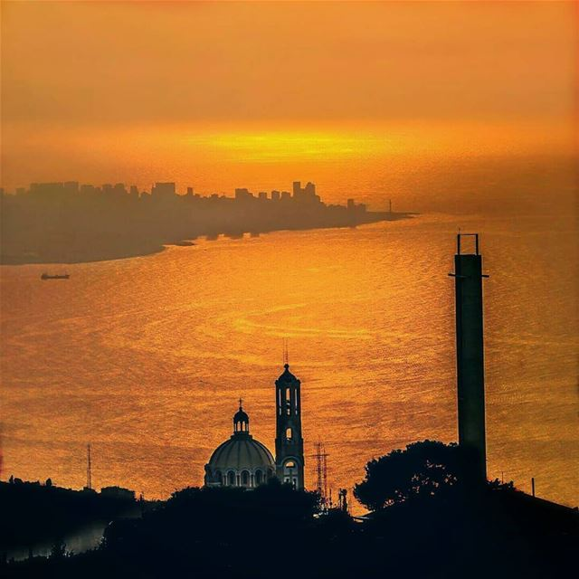 Masterpiece 🌅 💒 ❤Beirut as seen from Harissa. -------------------------- (Lebanon)