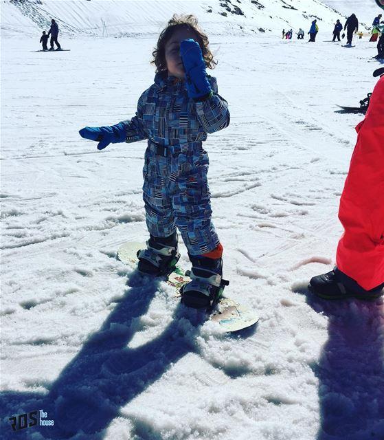 Lovin 😍 his first snow experience ❄️🏂@geed79 ... kidssnow ... (Mzaar Kfardebian)