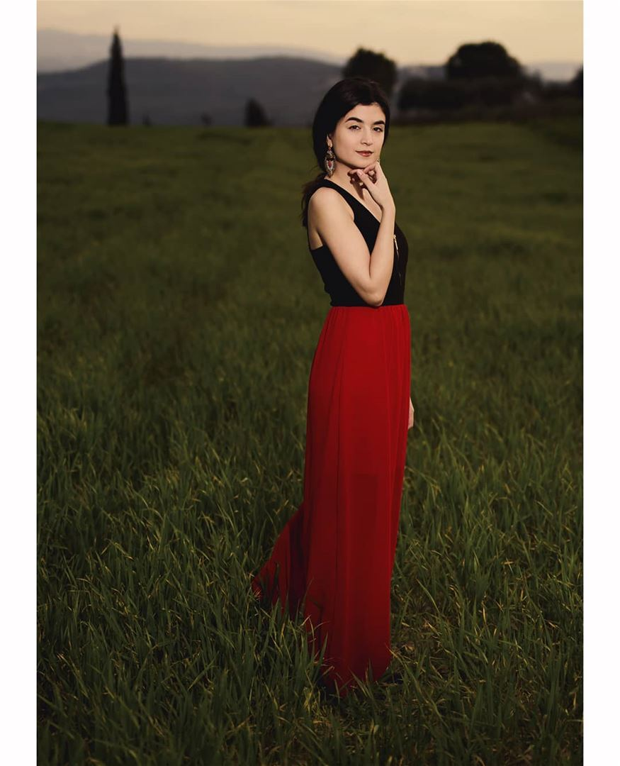 Gaze her look, it screams confidence..... reddress outdoorphotoshoot...
