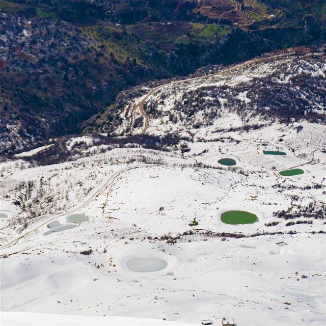 Frozen vs Unfrozen 🇱🇧❄🇱🇧 lebanon kfardebian mzaar livelovebeirut ... (Faraya, Mont-Liban, Lebanon)