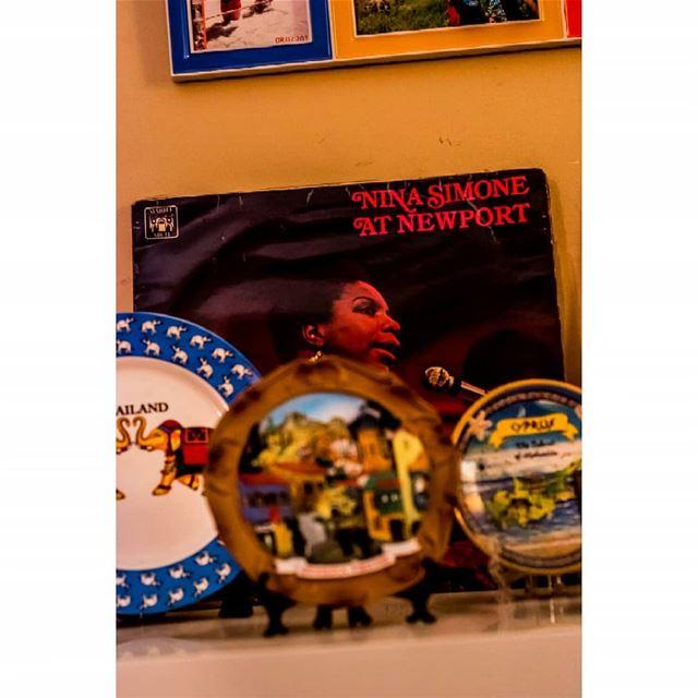 record ninasimone home shelf plates deco gadgets livingroom ...