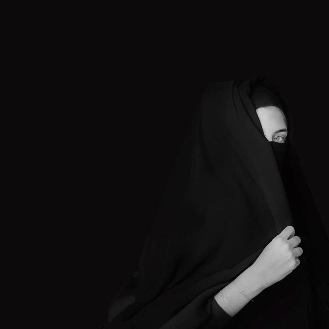 ~ ~... burka silhouette silhouette_creative portrait portraitart ... (Beirut, Lebanon)
