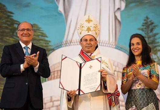 🇱🇧🇧🇷 Na manhã deste último domingo (25/02/2018), o governador Geraldo... (Catedral Maronita Nossa Senhora Do Libano)