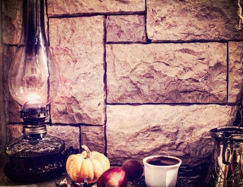 مساء الخير لكل الذين يعيشون ببساطة في هذا العالم المعقد...... قهوه قهوتي...