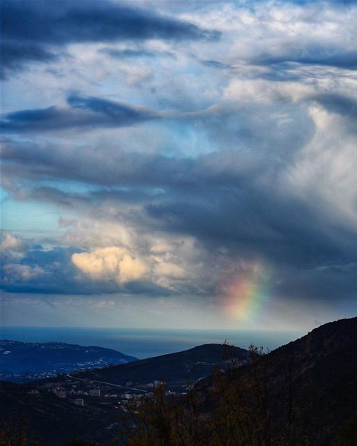 Try to be a rainbow in someone's cloud - Maya Angelou ... (Aarbet Qouzhaïya, Liban-Nord, Lebanon)