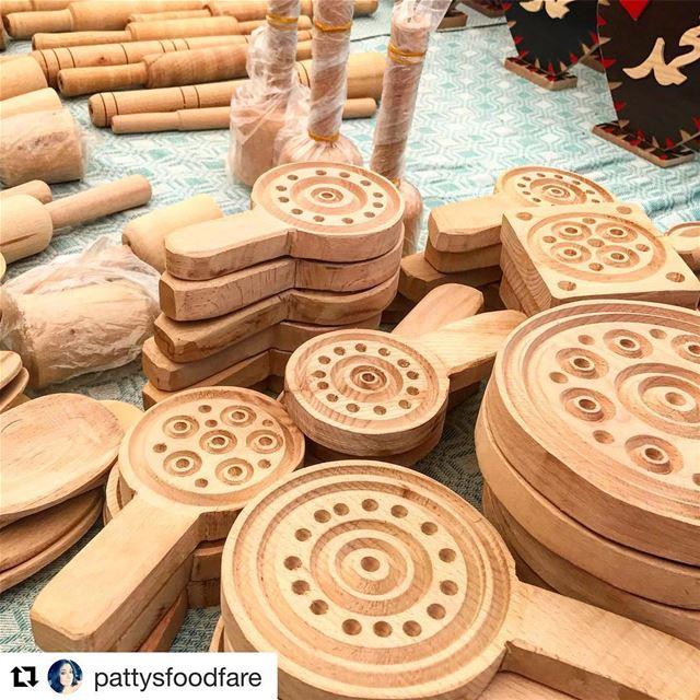 🇱🇧 Prensa de madeira artesanal para fabricação de biscoitos libaneses... (Saïda, Al Janub, Lebanon)