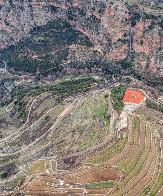 Can You Hear The Sound Of Heaven🏞️... qadishavalley bchare ... (Wadi Qannubin, Liban-Nord, Lebanon)