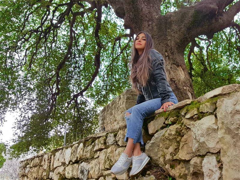 No sound but the wind 💝 . . . . livelovelebanon onlyinlebanon... (Douma, Liban-Nord, Lebanon)