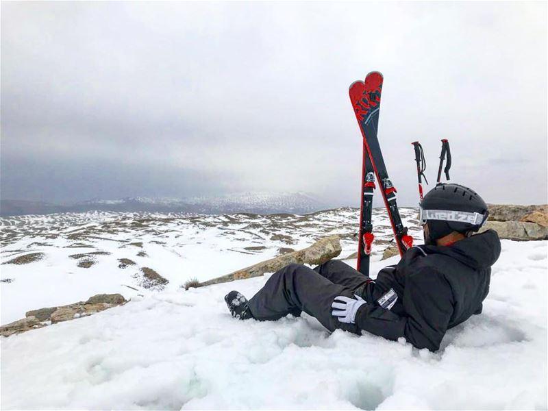 Peace of mind 💆🏻♂️ snow cloudyday skiseason rossignolskis... (Mzaar Kfardebian)