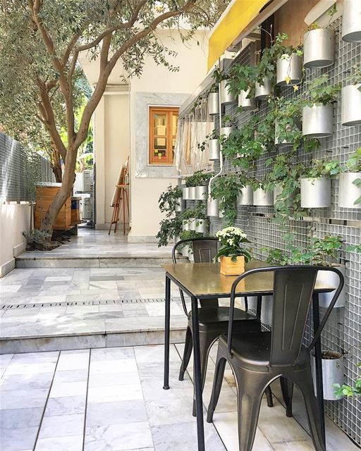 Loving the coziness of this place @atelierdumiel • Beirut, Lebanon 🇱🇧 .... (Beirut, Lebanon)