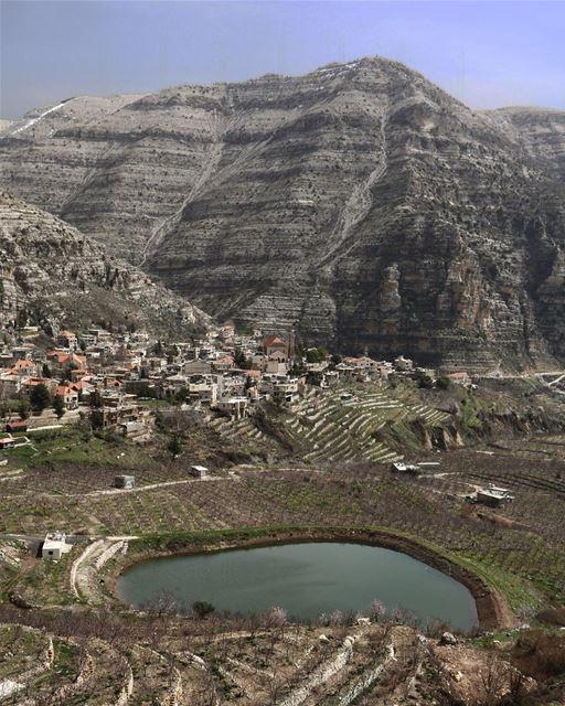 A lake in the mountains @liveloveakoura (Akoura, Mont-Liban, Lebanon)