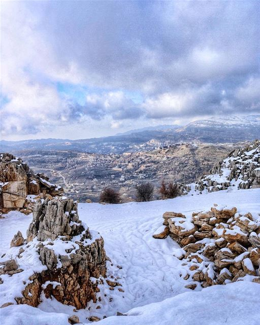 Happy Sunday everyone! Cheers from the Middle East ❄️ (Faraya, Mont-Liban, Lebanon)