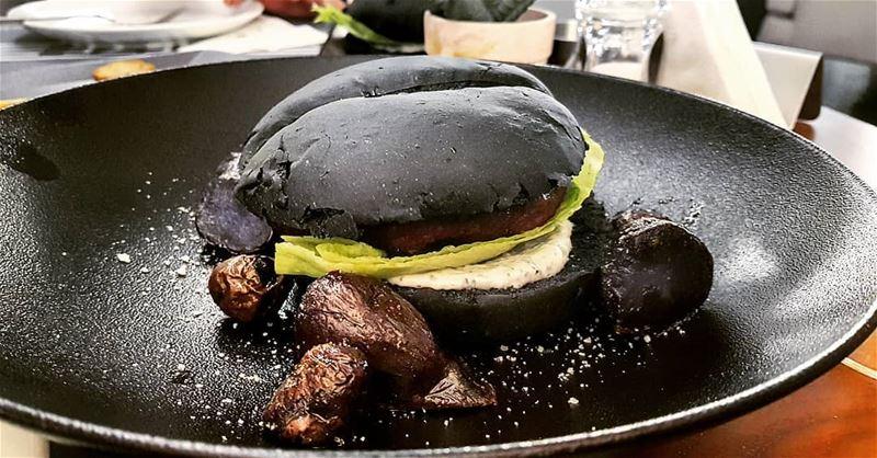 lebanon jounieh ghazir kfarhbab dieze blackburger burger ... (Dieze Beirut)