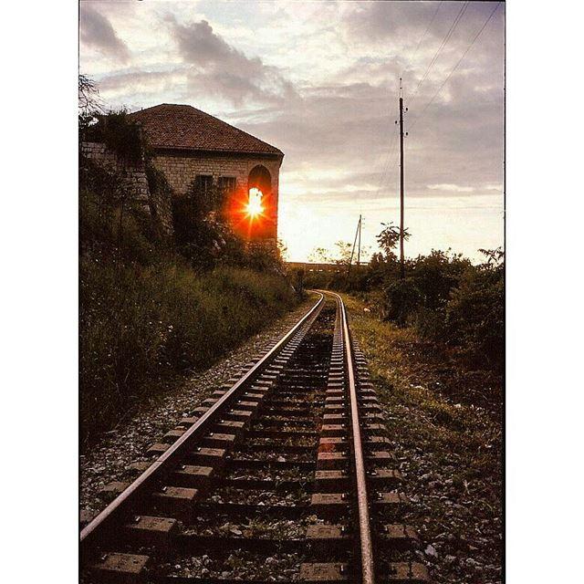 Sunset scene 2. railroad sunset gonewiththewind naturephotography ...