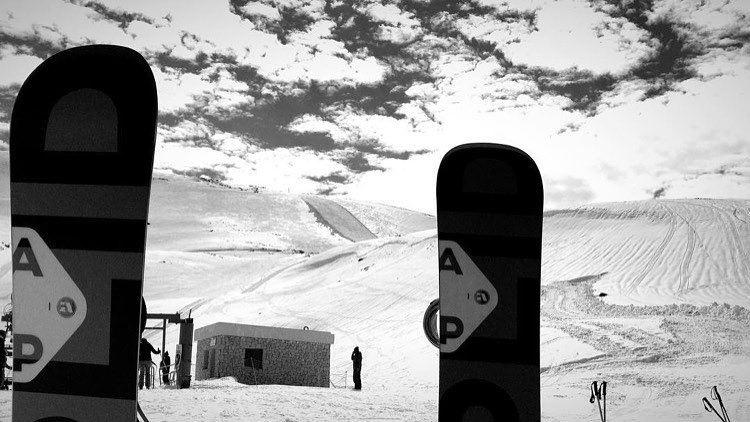 Tuesday's are for the boys... 📷: @marclkhoury ... snowboard ... (Mzaar Ski Resort Kfardebian)