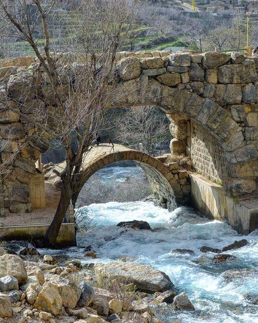 it takes both sides to build a bridge! 💙 lebanonisbeautiful ... (Nabaa Afqa)