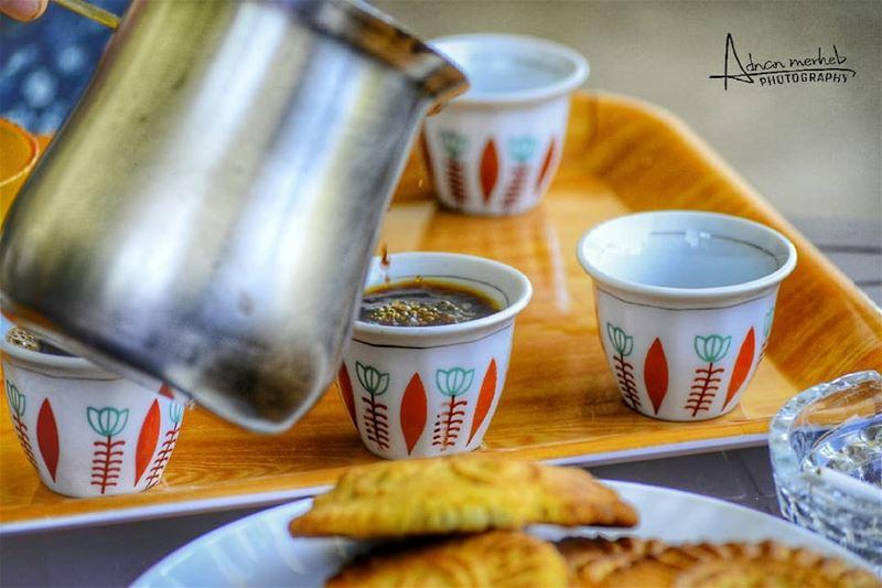 الصباح فنجان قهوة تسكبه لنا الحياة فقد يكون سادة او سكر زيادة ... ♡... (Biré, Liban-Nord, Lebanon)