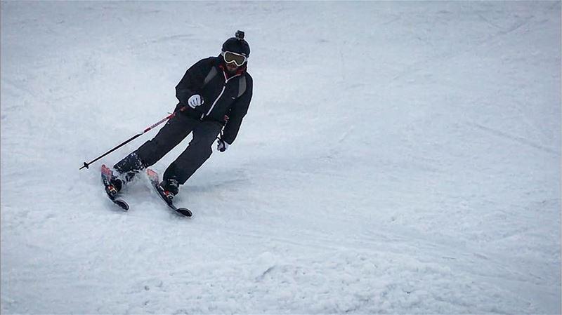 Skiing is a dance... skilover skiaddict carving rossignolskis skiseason... (Mzaar Kfardebian)