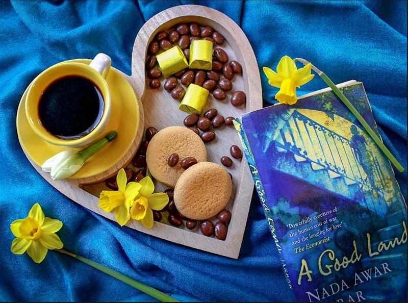 لا شيئ يضاهي رائحة القهوة ولو اعتصرت فرنسا كلها في قنينة عطر....... قهوه ...