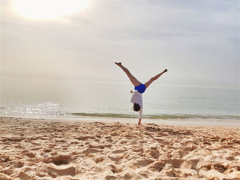 •Zen Day• 🤸 handstand yoga fun on the beach sea shore beachyoga ...